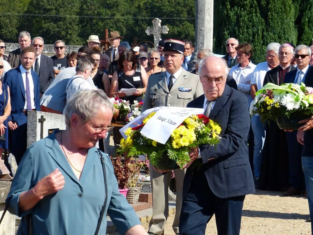Barbara und Michael Vogel bei der Gedenkfeier zum 75. Jahrestag des Massakers in Maillé am 25. August 1944
